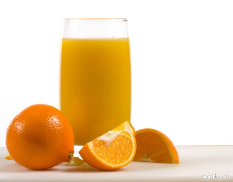 electrolyte and orange juice A homemade electrolyte drink for pots made with fresh ginger, citrus juice, and salt for a healthier way to stay hydrated juice from 1 lime juice from 1 orange.